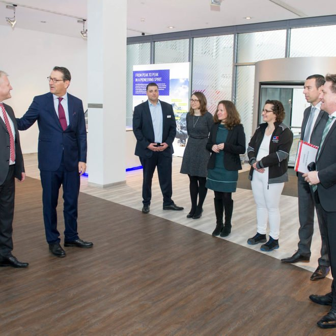 Gruppenbild bei Rolls-Royce Power Systems
