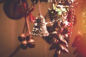 Weichnachtsglocke am Baum
